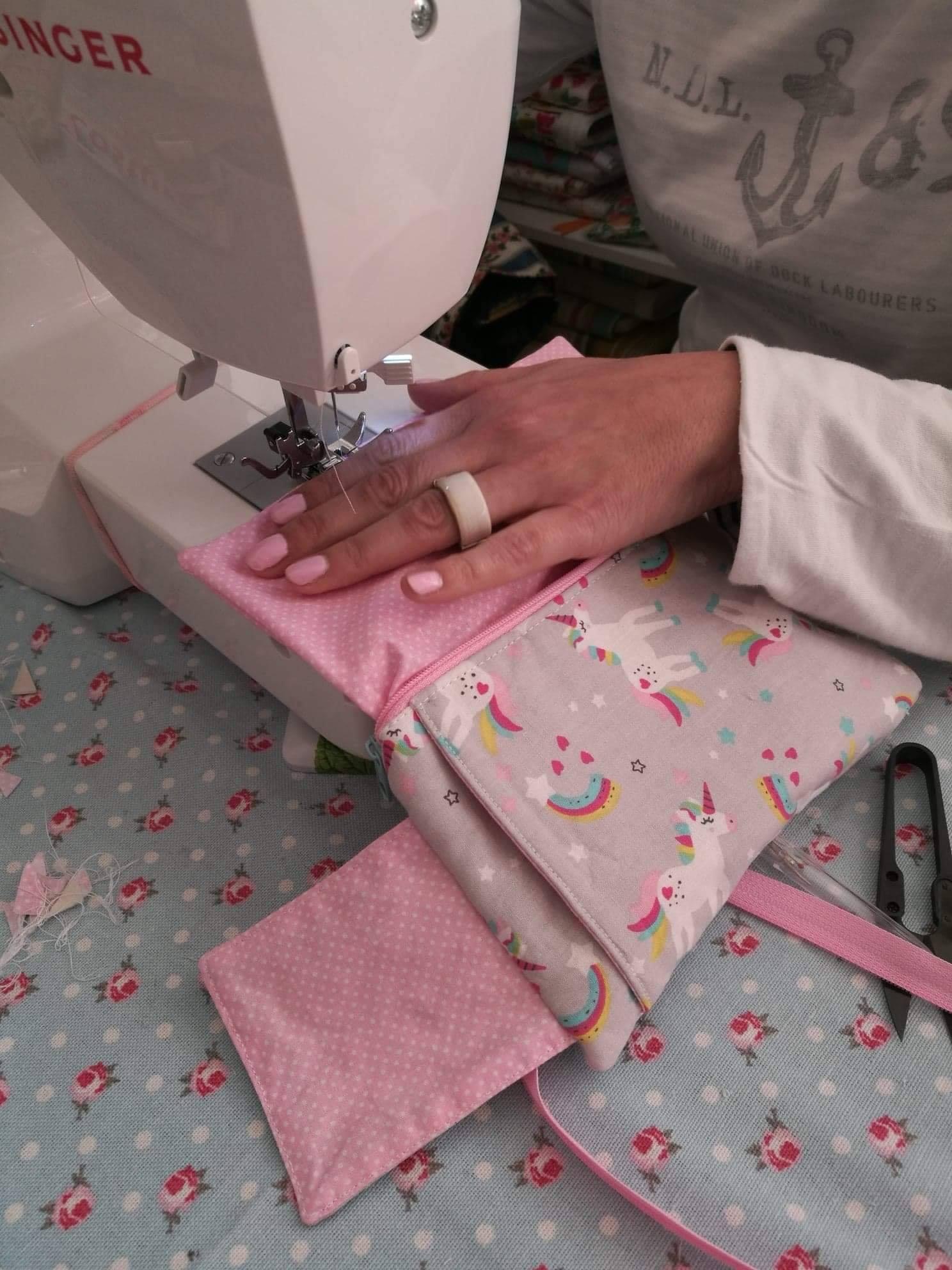 Read more about the article Aulas de costura criativa by Elsa Braga