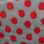 Tecido plastificado maçãs