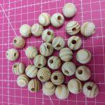 Bolas de madeira com furo 1.5 cm